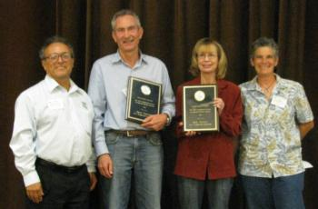 From left to right: Fred Ceballos (EuroAmerican Propagators), Steve Tjosvold, Julie Newman, and Cheryl Wilen (UCCE Area IPM Advisor)